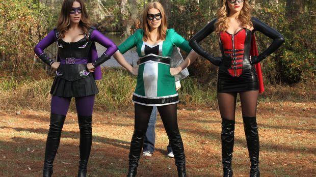 Schluss mit Langeweile: Brooke (Sophia Bush, l.), Haley (Bethany Joy Lenz, M....
