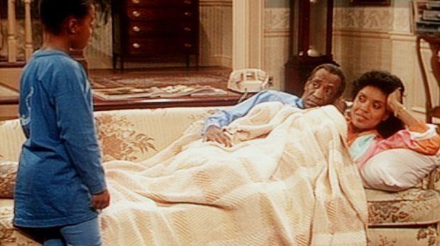 Rudy (Keshia Knight Pulliam, l.) soll ihren Eltern Cliff (Bill Cosby, M.) und...