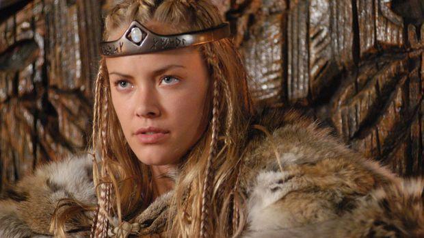 Die schöne Brunhild (Kristanna Loken), Königin von Island, hat sich unsterbli...