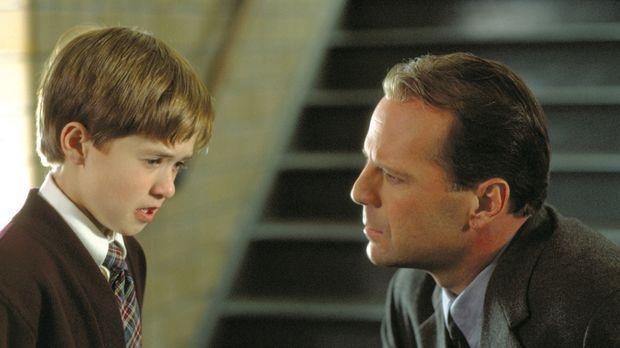 The Sixth Sense - Behutsam nähert sich der Kinderpsychologe Dr. Malcolm Crowe...