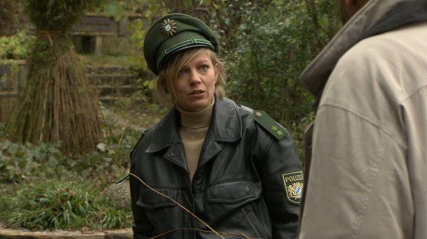 Partizia kommt frisch von der Polizeischule und ist noch voller Ideale. Doch...