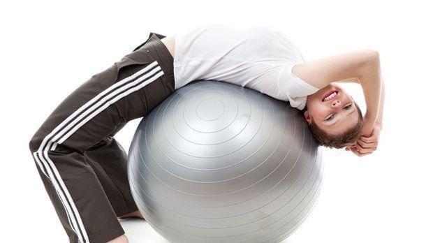 Rückenübungen mit Gymnastikball
