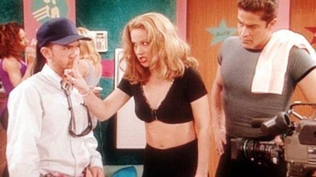 Kelly (Christina Applegate, M.) verlangt von Bud (David Faustino, l.) Klärung...
