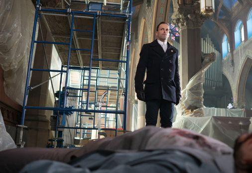 Elementary - Nachdem ein Spion von Morland verhindert hat, dass Holmes (Jonny...