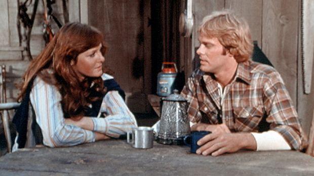 Erin (Mary Beth McDonough, l.) hat den Holzfäller Paul Mathews (Morgan Steven...