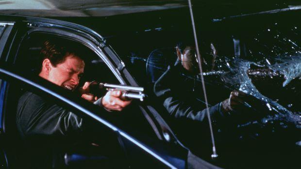 Mitten im Kreuzfeuer der zerstrittenen Gangs: Danny (Mark Wahlberg, l.) und N...