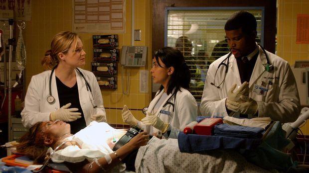 Dr. Susan Lewis (Sherry Stringfield, l.), Dr. Nella Rasgotra (Parminder Nagra...