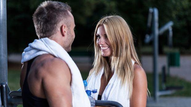 Flirtsprüche: Die hohe Kunst der Schmeichelei