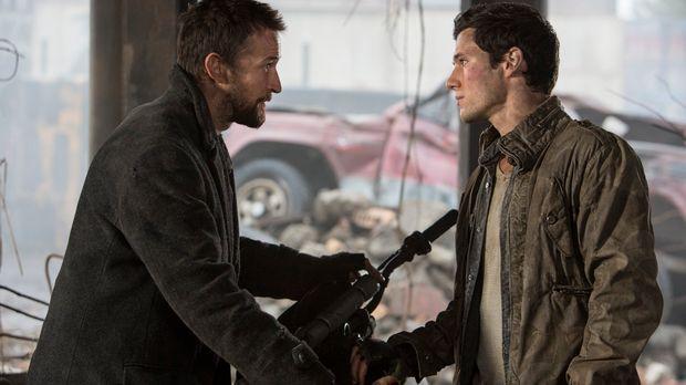 Obwohl sowohl Tom (Noah Wyle, l.) als auch Hal (Drew Roy, r.) das Ghetto verl...