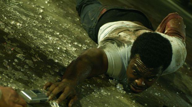 Versucht alles, um seine Kollegen zu retten: SWAT-Commander Rigg (Lyriq Bent)...