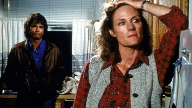 Billie (Gail Strickland, r.) gibt Jonathan (Michael Landon, l.) zu verstehen,...