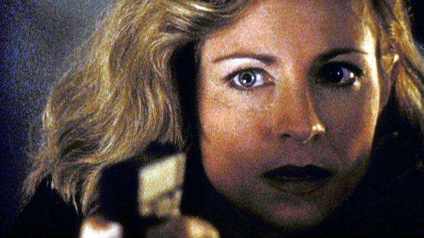 Die Agentin Stephanie Sawyer (Jessica Steen) ist für die Behörde zur Einhaltu...