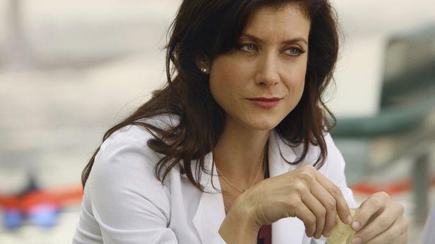 Addison (Kate Walsh) kommt für eine gefährliche Operation eines Neugeborenen...