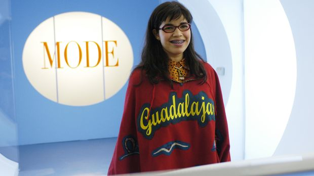 Betty Suarez (America Ferrera), eine ehrgeizige, naiv-freundliche Latina, bew...