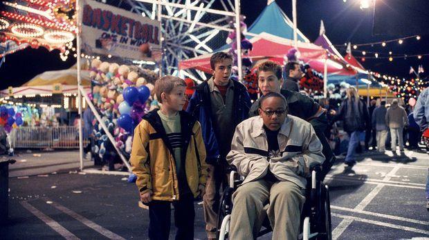 Auf dem Jahrmarkt entdecken Dewey (Erik Per Sullivan, l.), Malcolm (Frankie M...