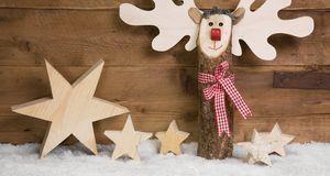 Einen Elch basteln können Sie auch als Holz – die Grundlage hierfür ist ein d...