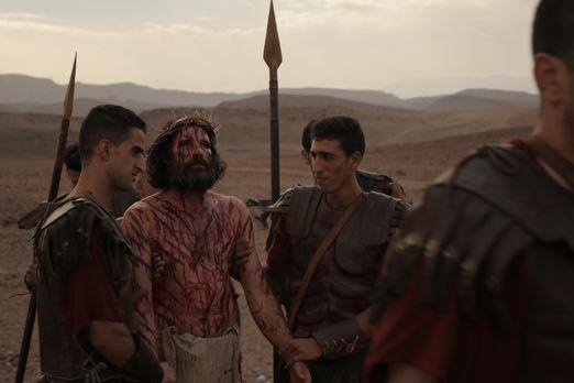 Jenseits der Bibel - Die Apostel-Legenden - Jesus bei seiner Kreuzigung mit r...