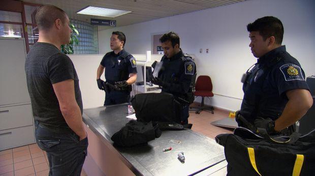 Nicht immer angenehm: Die Arbeit der Grenzbeamten bei ihrer täglichen Arbeit...