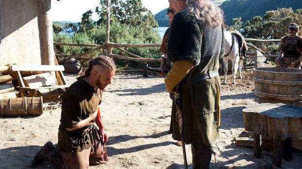 Nachdem es Ragnar (Travis Fimmel, l.) gelungen ist, seine Familie in Sicherhe...