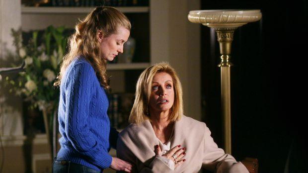 Lauren Williams (Donna Mills, r.), eine allmählich verblühende Schönheit, von...