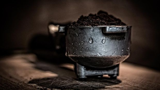 Siebträger mit Kaffee