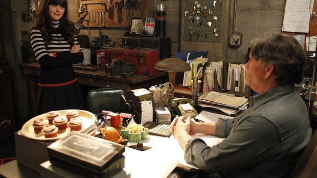 Jess (Zooey Deschanel, l.) beschließt, den ungeliebten Vermieter Remy (Jeff K...