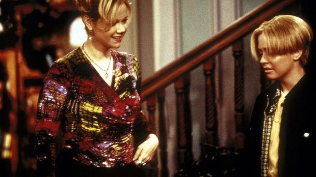 Enttäuscht berichtet Sabrina (Melissa Joan Hart, r.) Tante Hilda (Caroline Rh...