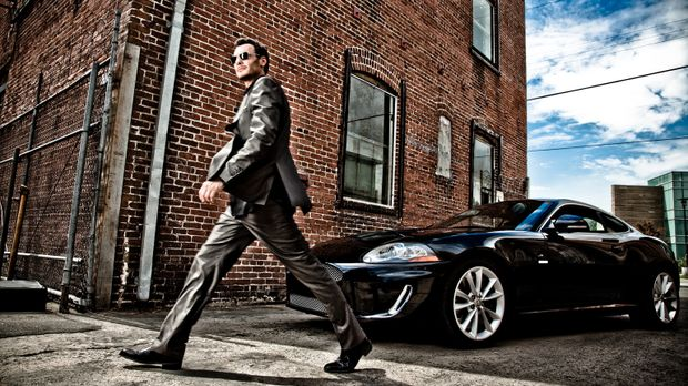 Der schlitzohrige Gauner Neal Bannen (Mark Gantt) hat momentan ziemlich viel...