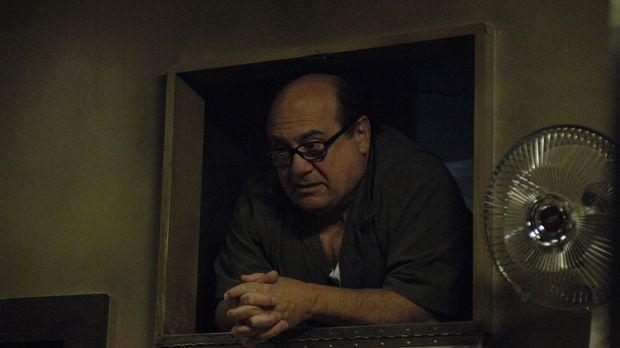 Frank (Danny Devito) sucht verzweifelt nach dem versteckten Testament ... © 2...