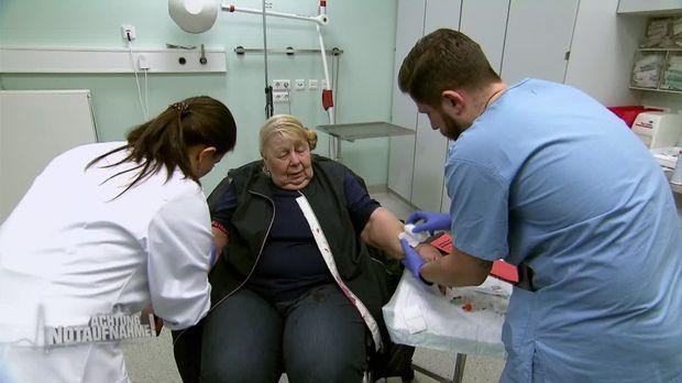 Achtung Notaufnahme! - Dienstag: Durchbohrter Unterarm Durch Offenen Bruch